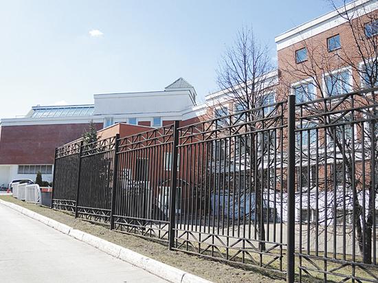 В московской школе открыли баню