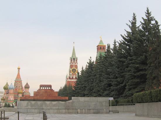 На Красной площади задержали пенсионера, который шел к Путину
