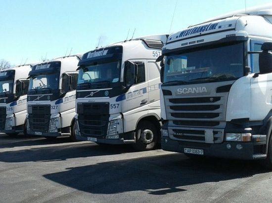 12 грузовиков с газоном для «Самара Арены» прибыли на стадион