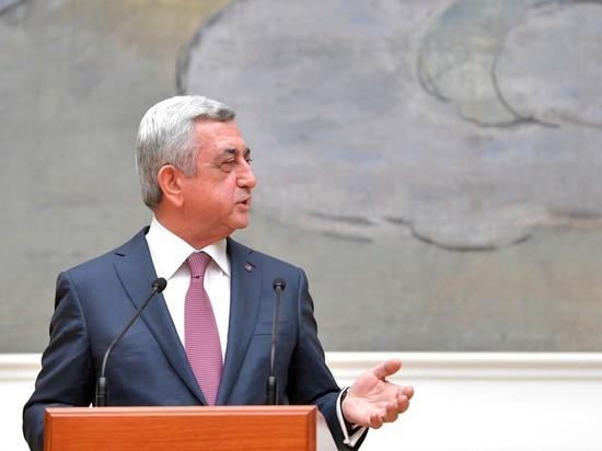 В Армении начался майдан: оппозиция требует досрочных парламентских выборов