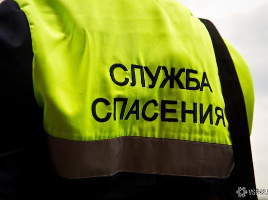 Кемеровчане не смогли попасть домой из-за крепкого сна школьника