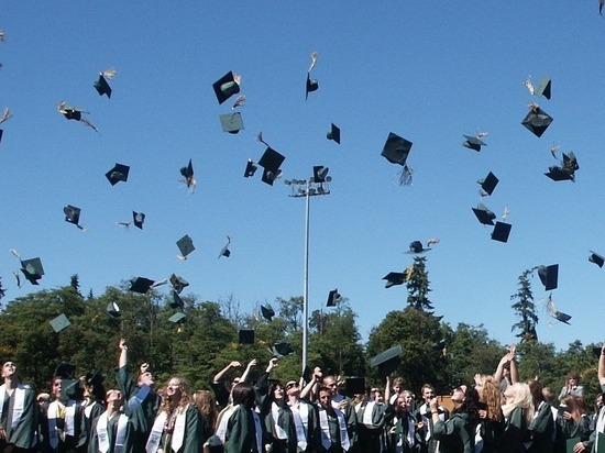 """""""Отработают образование или вернут деньги"""": Выпускников вузов ждет обязательное распределение"""