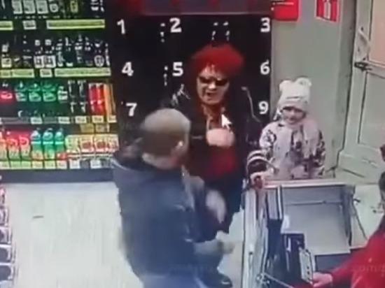Появилось видео избиения пенсионерки покупателем в Уфе