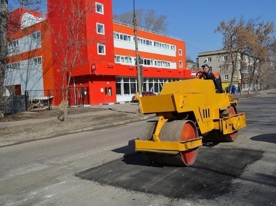 В Ульяновске ускоренными темпами проводят ямочный ремонт