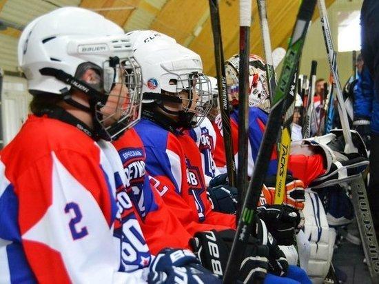 Легенды отечественного хоккея дали мастер-класс приморским мальчишкам
