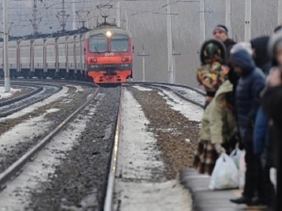 ВТатарстане мужчина сдевочкой попали под поезд