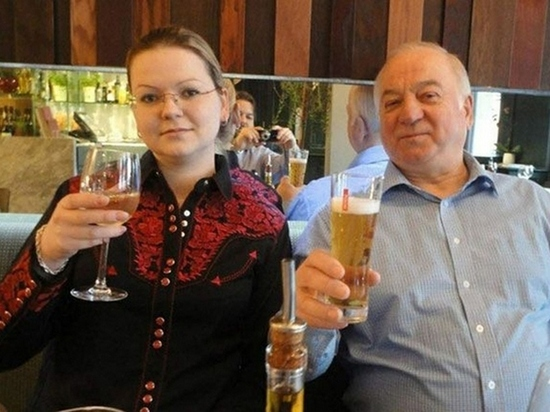 """СМИ Британии назвали отравителем Скрипалей шпиона ФСБ """"Гордона"""""""