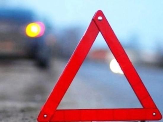 """В Гайском районе """"Лада"""" улетела в кювет, протаранив дорожный знак и световую опору"""