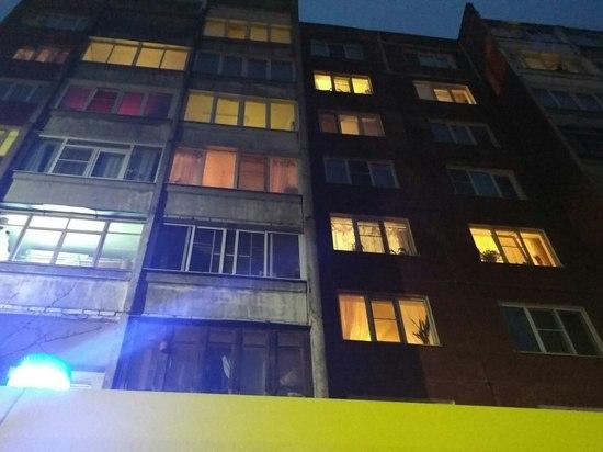 В Заволжском районе Твери, упав с балкона, насмерть разбился мужчина