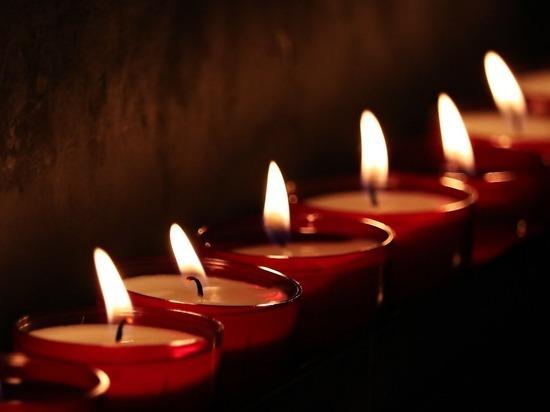 """В Севастополе надругались над аллеей, посвященной жертвам """"Зимней вишни"""""""