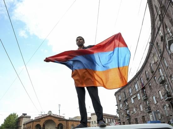 Намитинг как наработу: ВЕреване оппозиция возобновила акции протеста