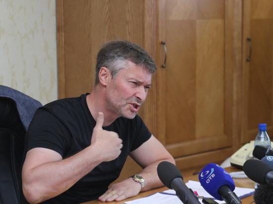 Евгений Ройзман попытался сорвать социальные слушания повыборам главы города, однако проиграл
