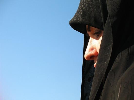 Красавица в чадре, или Опасная дружба России с Ираном
