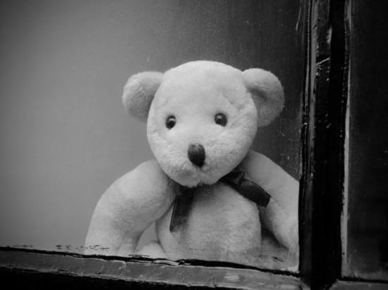 В Курской области из окна выпал ребенок