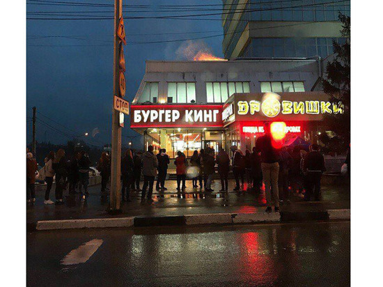 ВТЦ «Дом Мод» вЧебоксарах оперативно ликвидировано возгорание вкафе «Дровишки»