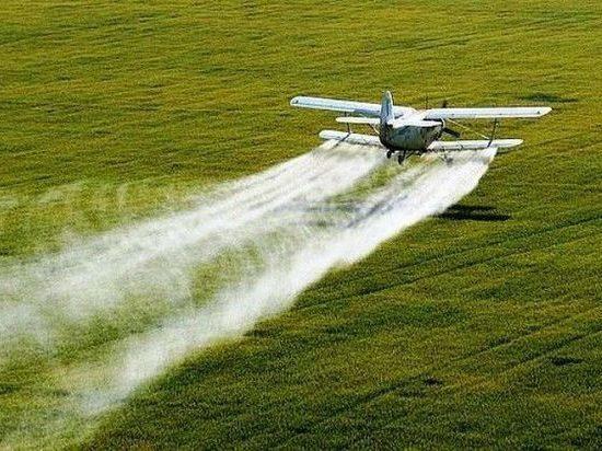 В Татарстане для удобрения полей используют самолет