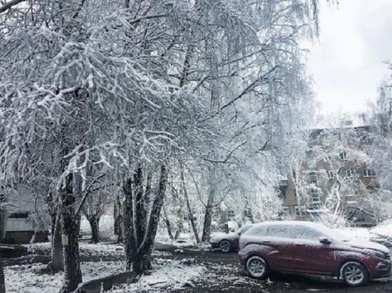 Утром 2 мая Томск завалило снегом, в городе замерзли городские фонтаны
