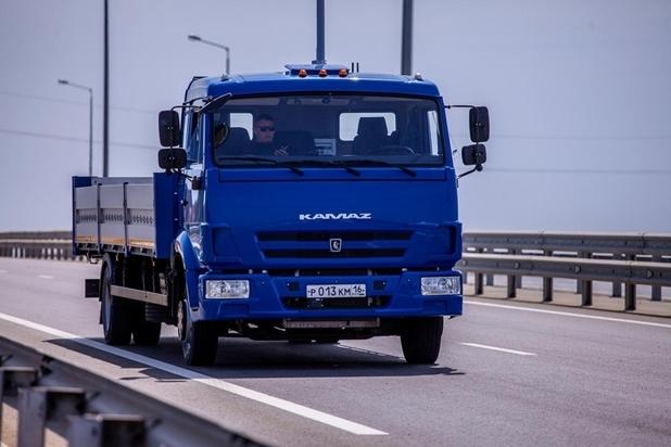 Возле Крымского моста успешно испытаны российские робомобили