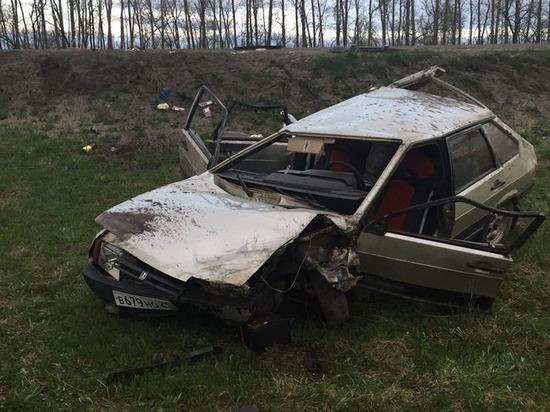 В Чувашии пьяный водитель с ребенком, уходя от погони, протаранил грузовик