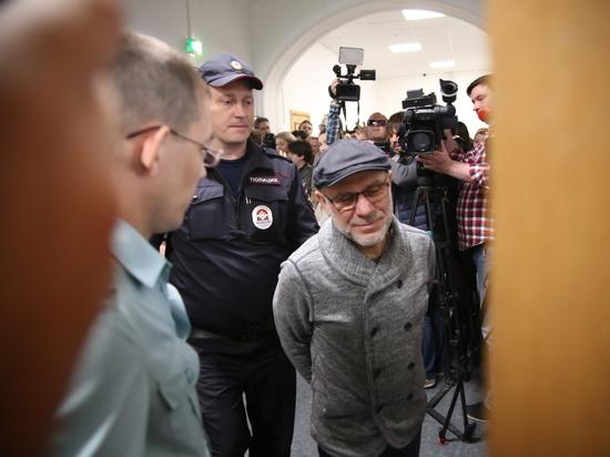 Шнур ответил на призыв поехать в Украину на Евровидение