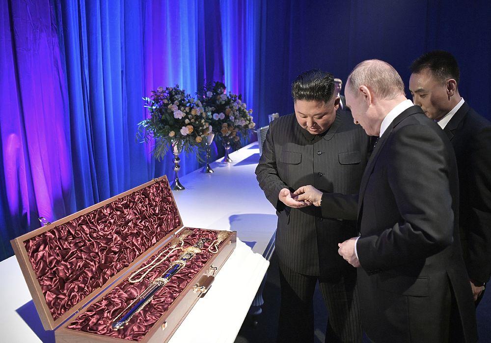Что не так с подарками Путина и Ким Чен Ына?