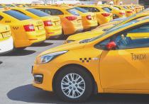 «Ношу маску, обрабатываю салон»: таксисты рассказали о мерах безопасности перевозок