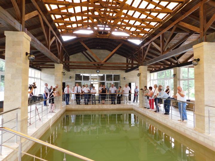 Уникальная термальная вода используется в бассейнах здравницы Александра Удодова