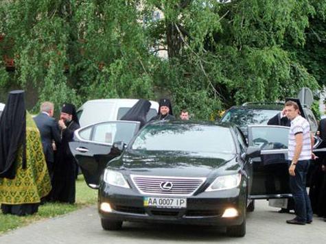 Священника на Украине пытались отравить ртутью и мышьяком
