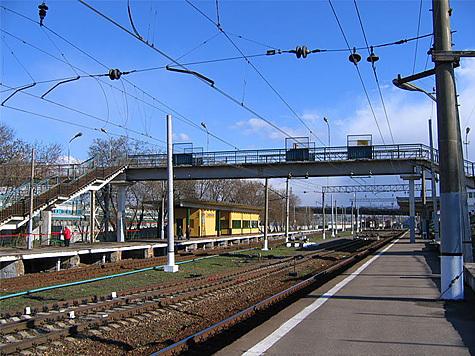 Продолжается капитальная реконструкция платформы Ржевская Московской железной дороги.