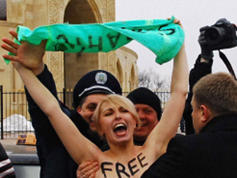 В полиции Ганновера на красоток из FEMEN завели уголовное дело