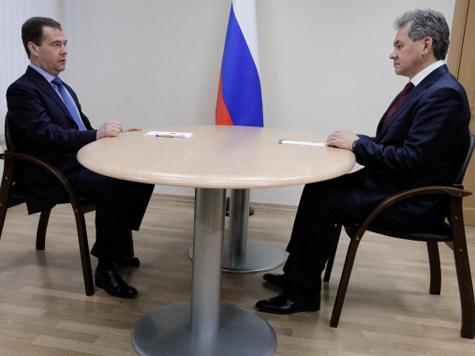 Медведев и Шойгу спасают военные городки