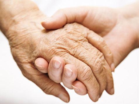 Семьям предложат «усыновить» одиноких стариков