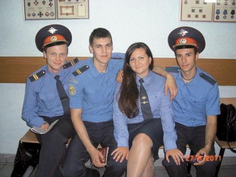 Один из подозреваемых Артем Скубак (крайний справа) — племянник начальника УВД по СВАО.