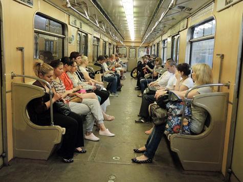 Поезда в метро сделают пересадку за пассажиров