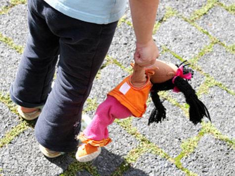 На севере Москвы мужчина подозревается в изнасиловании 4-летней девочки