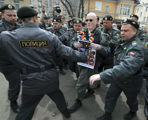 Суд продлил арест Pussy Riot до 24 июня