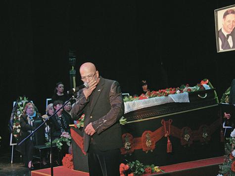 Петербург простился с Хилем
