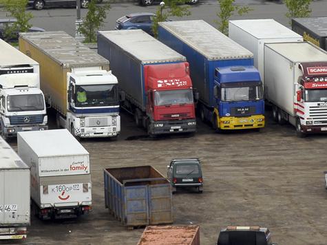 Без денег грузовики смогут доехать только до суда