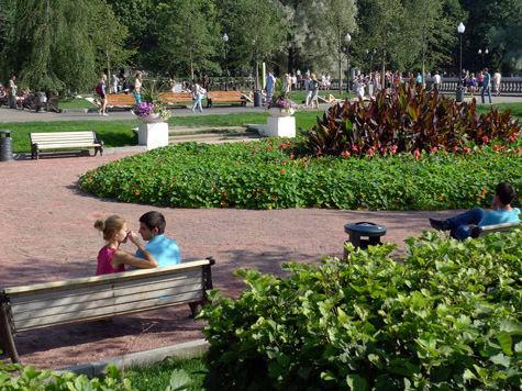 Горожанам на пальцах объяснят, как вести себя в парках