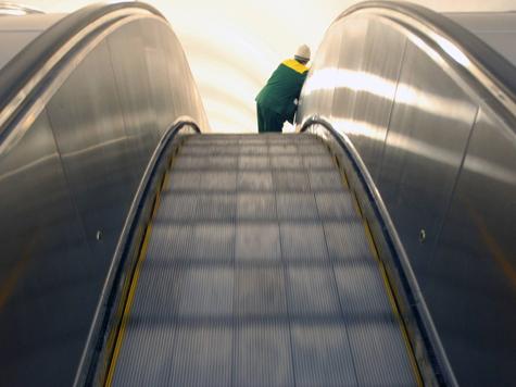 Причина аварии на эскалаторе метро кроется в деталях?