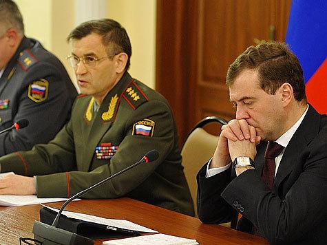 Медведев и Нургалиев. Фото: МК