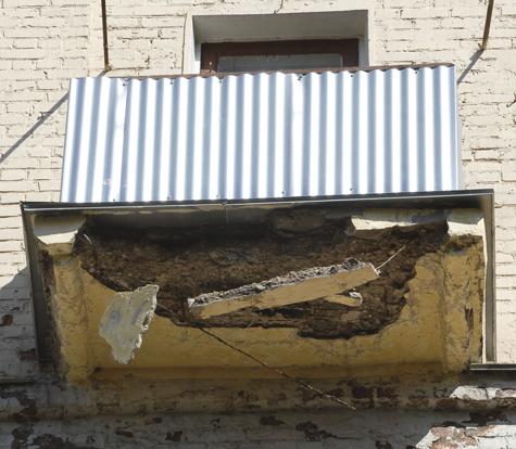 Ураган бросался в москвичей балконами и щитами