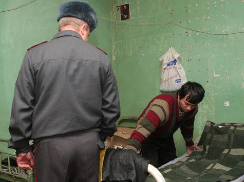 Хозяин бирюлевской квартиры зарегистрировал 196 мигрантов