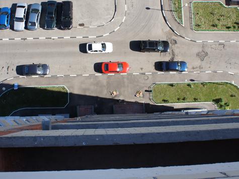 27-летняя жительница Подмосковья выбросила своих детей из окна 15-го этажа
