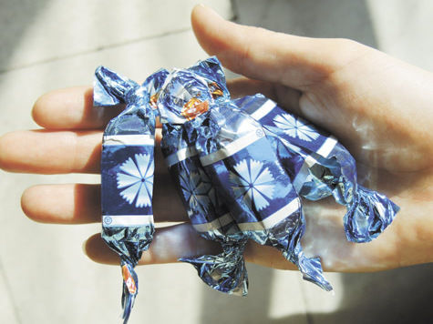 Потепление в таможенной войне: украинские конфеты вернутся в Россию