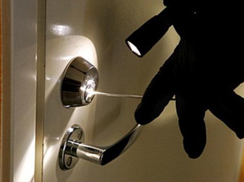 Как грабители выходят на квартиры хвастливых пользователей соцсетей