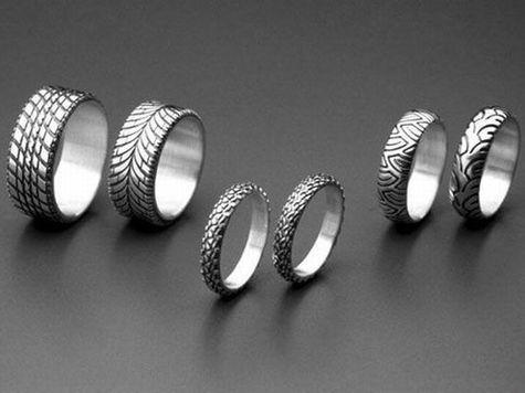 Парные обручальные кольца - искренние чувства и бесконечная любовь