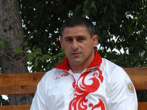 Главный тренер сборной России по греко-римской борьбе Гоги Когуашвили: «В олимпийский год сборная России входит лидером мировой борьбы»
