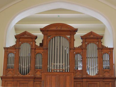 Церкви бьются за орган