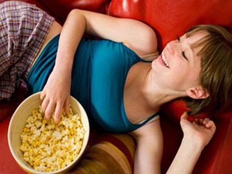 Попкорн уменьшает женскую грудь